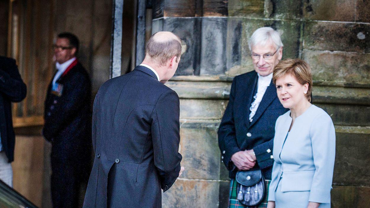 Prins William och Skottlands ledare Nicola Sturgeon.