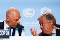 FN:s generalsekreterare António Guterres pratar med Michal Kurtyka, ordförande vid klimatmötet i Katowice. Sprickan mellan de deltagande länderna blir allt större.