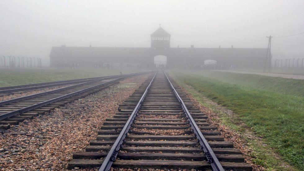 Infarten mot förintelselägret Auschwitz.