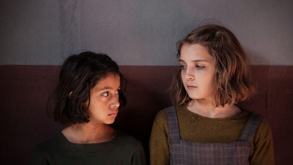 """Ludovica Nasti spelar den unga Lila och Elisa Del Genio den unga Elena i tv-serien baserad på Elena Ferrantes """"Neapelsvit""""."""