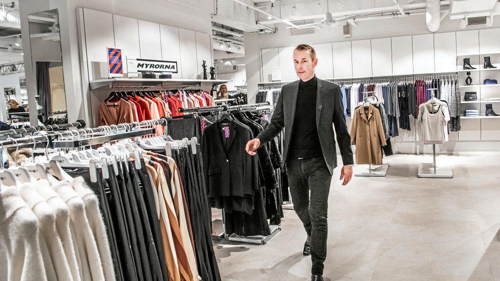 MQ:s vd Ingvar Larsson beslöt i höstas att byta namn MQ-butikerna till Marqet och inledde samarbete med Myrorna.