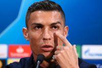 Juventus Cristiano Ronaldo under en presskonferens på Old Trafford inför Champions League-bortamötet med Manchester United.
