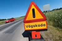 Trafikverket är skyldigt att åtgärda eller varna för vägskador inom rimlig tid. Potthål och stenar på vägen är vanligt under sommaren.