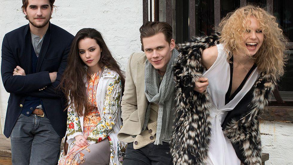 Hela skådespelarskaran samlad: Landon Liboiron, Freya Tingley, Bill Skarsgård och Penelope Mitchell från Netflixs Hemlock Grove.
