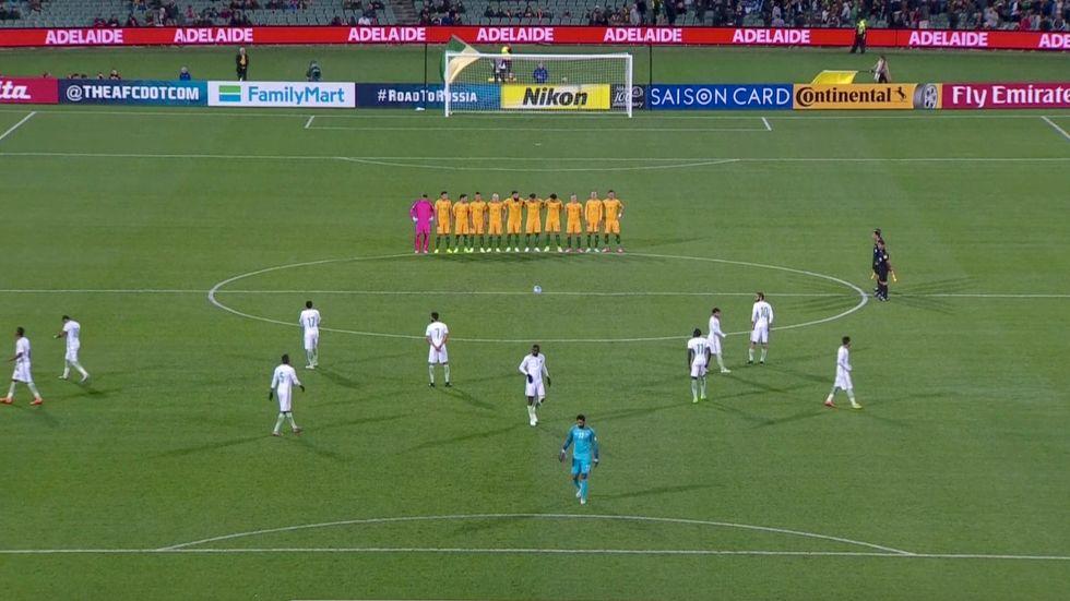 Saudiarabiens fotbollförbund har bett om ursäkt för att landets landslag inte respekterade en tyst minut för offren i lördagens terrorattentat i London. Det skedde i samband med VM-kvalmatchen mellan Australien och Saudiarabien.