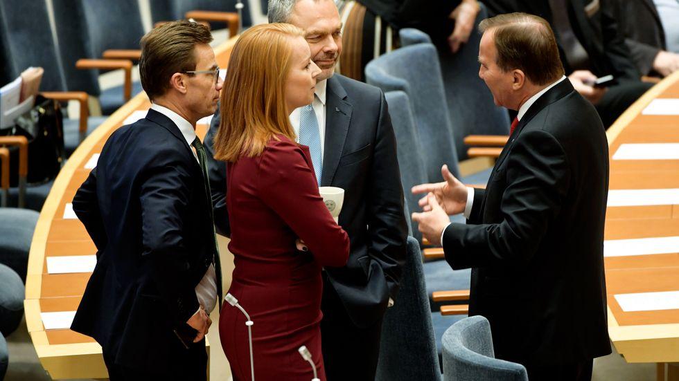 Bör vara ärliga om hur deras partier i realiteten förhåller sig till Sverigedemokraterna.