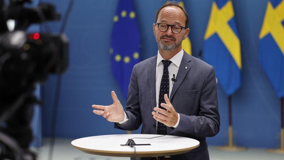 På en pressträff i regeringskansliet meddelade infrastrukturminister Tomas Eneroth (S) att regeringen ska finansiera hela den sedan länge planerade Norrbotniabanan.