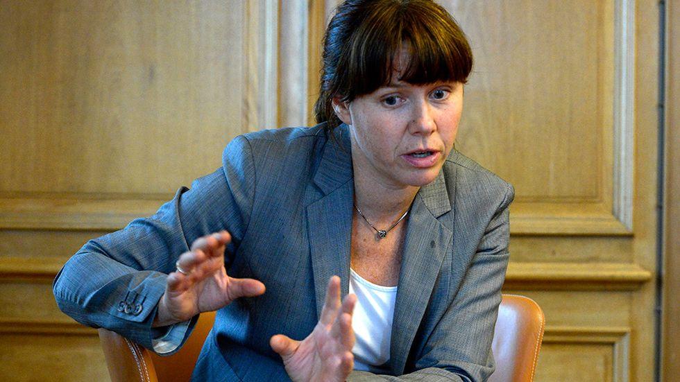 """MP-ledaren Åsa Romson var före valet djupt kritisk till avräkningarna som gjorde att """"Migrationsverket blir Sveriges i särklass största mottagare av svenskt bistånd"""". Efter valet växer nu andelen av biståndet som går till flyktingmottagande."""