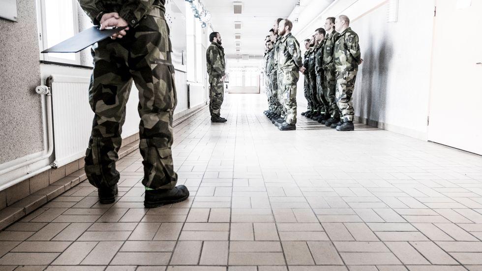 Värnpliktiga i en korridor på Norrbottens regemente, I19, i Boden (arkivbild).
