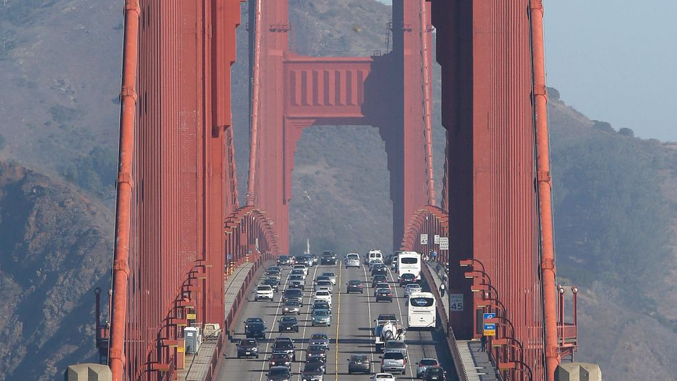 USA:s president Donald Trump har upphävt delstaten Kaliforniens rätt att sätta egna, tuffare, nivåer för hört mycket utsläpp fordon får göra. Arkivbild.