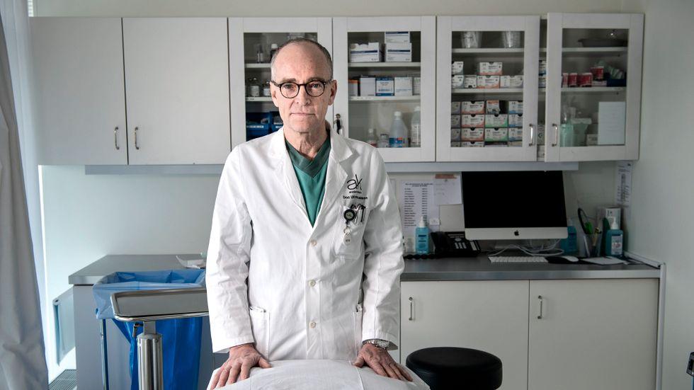 Plastikkirurgen Ulf Samuelson tycker att marknaden för skönhetsingrepp är alldeles för oreglerad.