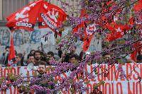 Protester mot åtstramningar har blivit vardag i Grekland. Arkivbild.