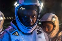 Astronauter försöker lösa jordens energikris.