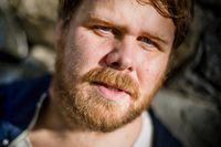 Emil Svanängen verkar ha känsla för Nobelpriset i litteratur. På nya Loney Dear-skivan som kom i början av oktober har han tonsatt Tomas Tranströmers dikt C-dur, på albumet heter den D major.