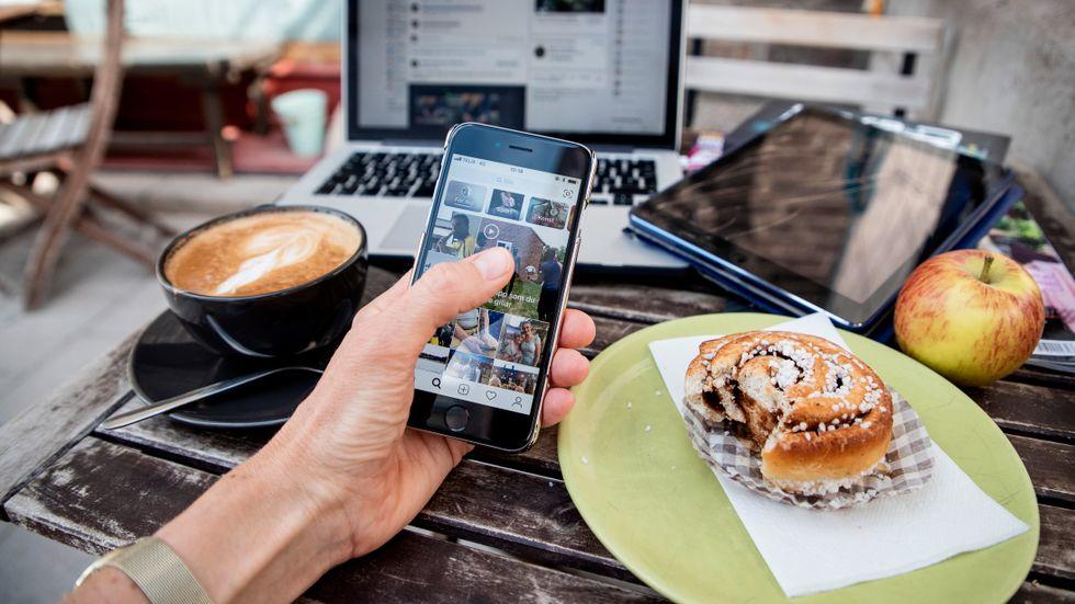 Om vi inte kan instagramma, facebooka eller chatta över en kopp kaffe kanske något annat händer? Ett samtal kanske uppstår?