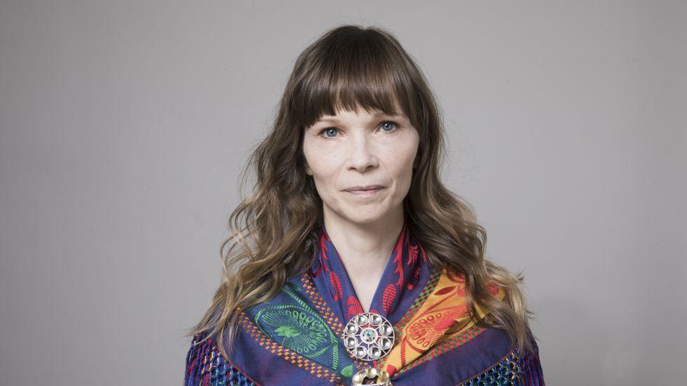 """Ann-Helén Laestadius, född 1971, är uppvuxen i Kiruna. 2016 tilldelades hon Augustpriset i kategorin bästa barn- och ungdomsbok för """"Tio över ett""""."""