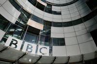 BBC, eller British Broadcasting Corporation, ska minska med 450 tjänster. Arkivbild.