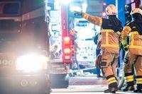 Två personer har förts till sjukhus efter en lägenhetsbrand i centrala Stockholm under natten. Arkivbild.