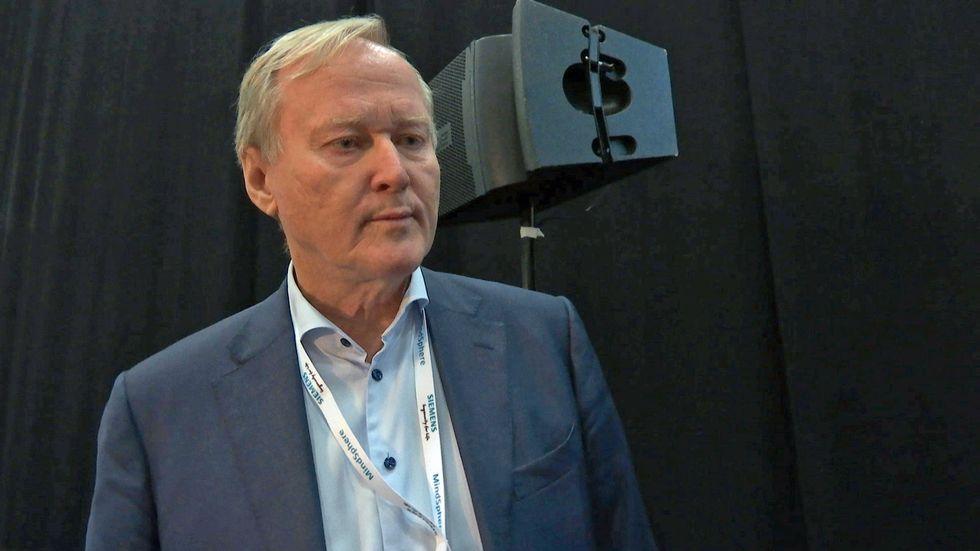 Leif Östling, tidigare vd för Scania, tror inte att Sverige orkar med med mer invandring.