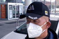 Affärsmannen Luca Zhou är född i Kina men bor i Prato i Italien. När han återvände till staden från nyårsfirandet i hemlandet satte han sig själv i karantän i sitt sovrum i två veckor. Därefter gick han aldrig ut utan munskydd.