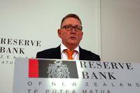 Nya Zeelands centralbank höjer räntan med 0,25 procentenheter till 0,5 procent. På bild är Nya Zeelands centralbankschef Adrian Orr. Arkivbild.