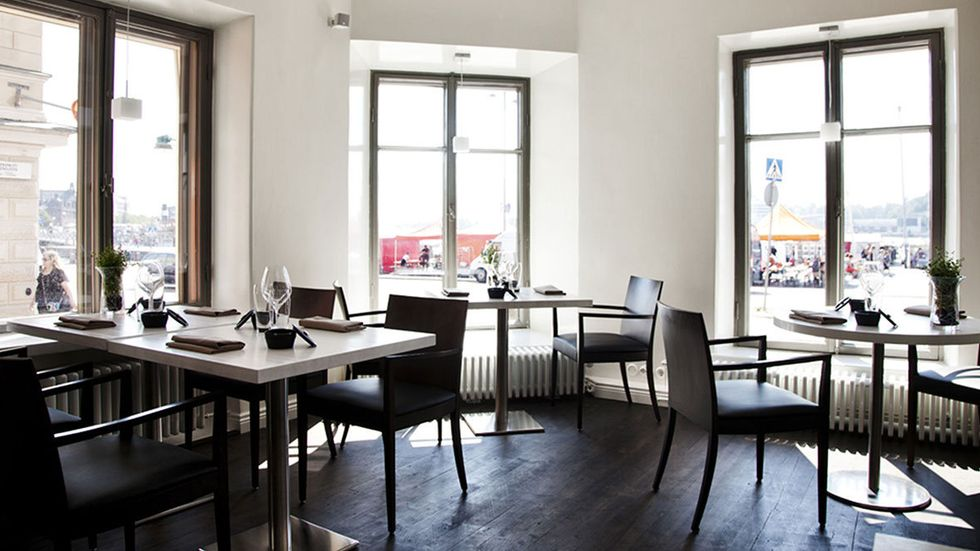 Restaurang Olo i Helsingfors har växt ur sina gamla lokaler och flyttat.