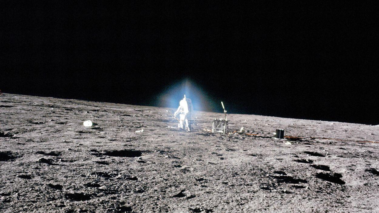 Astronauten Alan Bean på månen, 19 november 1969. Apollo 12 var den andra rymdfarkosten som landsatte människor på månen.
