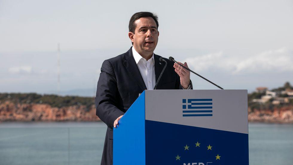 Greklands migrationsminister Notis Mitarachi. Arkivbild.