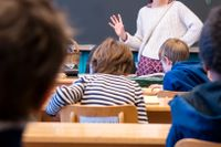 Skolor som vill införa betyg från årskurs fyra får vänta. Arkivbild.