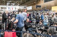 Köerna ringlar långa på Arlanda. Många har drabbats av pilotstrejken i SAS.
