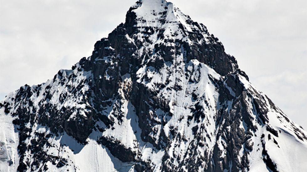 "Patrik Karlström, ""Swiss Alps #5"". (Bilden är beskuren.)"