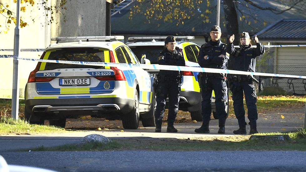 Fem anhållna efter skjutning i Jordbro