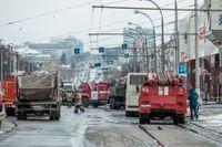 Brandkår på plats nära köpcentrumet i Kemerovo.