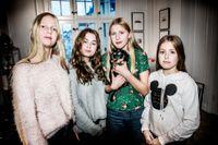 Ebba Åkerlund dog i terrorattacken på Drottninggatan. Hennes klasskompisar berättar om tiden efter den 7 april 2017. Från vänster: Julie, Hella, Märta och Ebba.