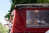 De så kallade partybussarna är ett attraktivt alternativ när studentflaken förbjudits andra året i rad. Arkivbild.