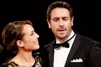 Noomi och Ola Rapace har fått en ny regissör till filmen om sångerskan Anita Lindblom och boxaren Bosse Högberg.