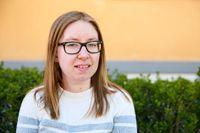 Elsa Landgren har kämpat sig ända fram till en fil kand, men har ändå svårt att hitta ett jobb som fungerar för henne.