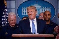 Donald Trump på söndagskvällens pressträff.