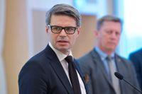 """""""Det är otroligt viktigt att alla samhällsaktörer är på tå"""", säger Fredrik Hallström, biträdande enhetschef inom kontraterror, om att misstänkta IS-terrorister nu väntas återvända till Sverige."""