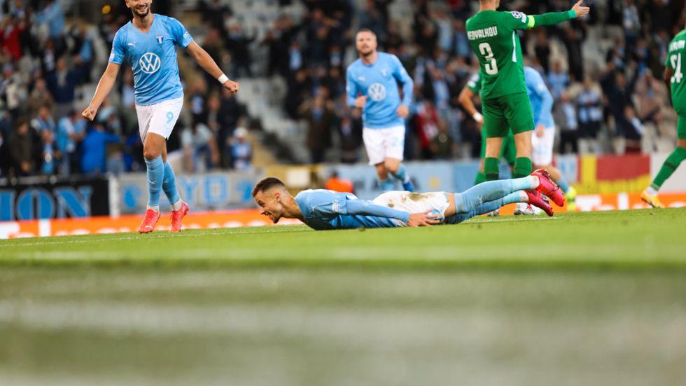 Malmö FF:s Veljko Birmancevic efter sitt 1–0-mål hemma mot Ludogorets i det första mötet av playoff till Champions League. MFF vann med 2–0 och har ett bra utgångsläge inför returen i Bulgarien nästa vecka.
