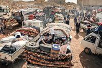 Syriska flyktingar samlas i den libanesiska bergsstaden Arsal för att resa tillbaka till Syrien. Libanon, som har sex miljoner invånare, tog emot emot omkring 1,8 miljoner syrier som mest. Nu vill de att de åker hem.