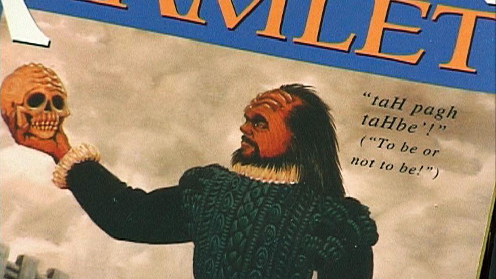 Den nutida nitiska språkgranskningen är kanske befogad. Den som håller sig det påhittade språket klingonska, liksom Yens Wahlgren, slipper kanske undan de manipulationer vi andra får ta för givet försiggår.