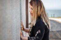 Friendship Park, San Diego, Kalifornien, USA. Genom stängslet träffar Claudia Burolla sin mor för första gången på 18 år.