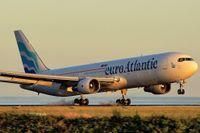 Ett plan från det portugisiska flygbolaget Euro Atlantic.