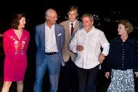 Kung Carl XVI Gustaf och Drottning Silvia inledde på tisdagen statsbesöket i Brasilien när kungaparet anlände till huvudstaden Brasília. På bilden anländer  kungaparet till  president Lula da Silva med hustrun Marisa Leticia på Alvoradapalatset för middag.