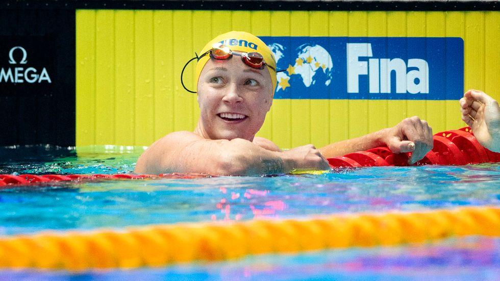 Sarah Sjöström personligen, och svenska simlandslaget som grupp, är två som har pågående eller avslutade samarbeten med kritiserade Huawei.