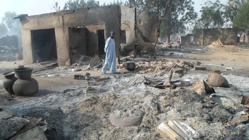 Förödelse efter en attack av Boko Haram i en by i nordöstra Nigeria. Arkivbild.