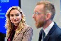 Kristdemokraternas partiledare Ebba Busch och Jakob Forssmed, ekonomisk talesperson, presenterar partiets budgetmotion under en pressträff.