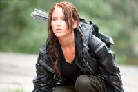 """Jennifer Lawrence spelar rebelliska hjältinnan Katniss Everdeen i de grtänslöst poppulära """"Hungerspelen""""-filmerna."""
