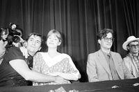 Harry Dean Stanton till vänster tillsammans med bland andra den tyska skådespelaren Nastassja Kinski på filmfestivalen i Cannes 1984. Arkivbild.